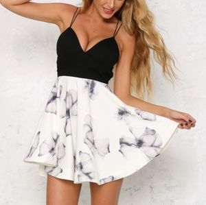 Dresses & Skirts - Black and white floral strappy back dress